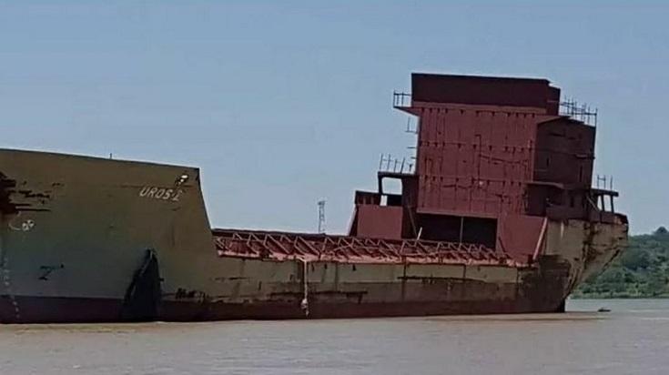 'Barco fantasma' en río de Argentina causa conmoción