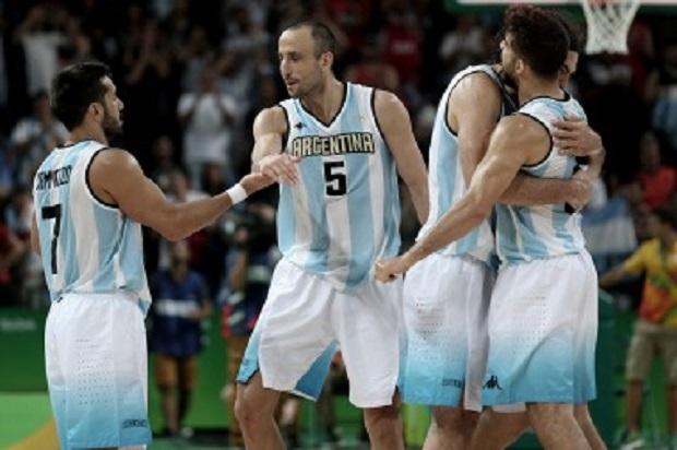 Argentina derrota a Brasil tras dos prórrogas (111-107)