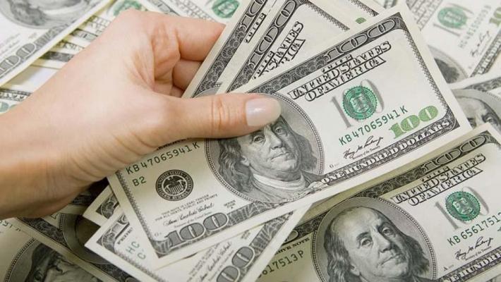 Este jueves, el dólar rebotó 19 centavos y cerró a $ 38,81