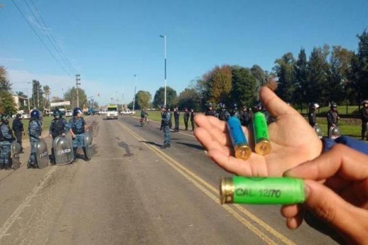 Trabajadores de Cresta Roja denunciaron represión por parte de Gendarmería