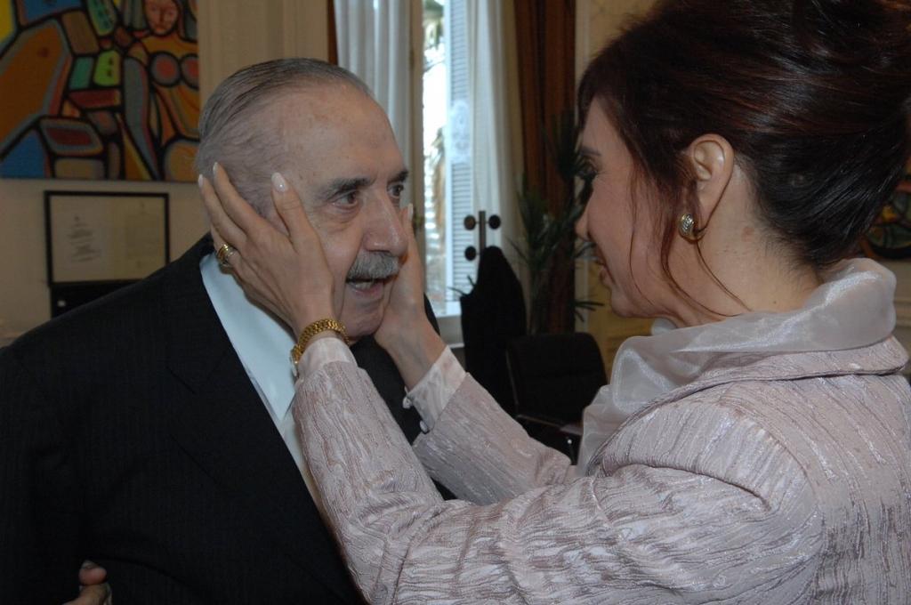 Homenajearon a Alfonsín, en el décimo aniversario de su muerte